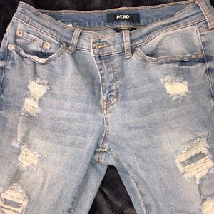 Aeropostale low rise skinny ripped jeans